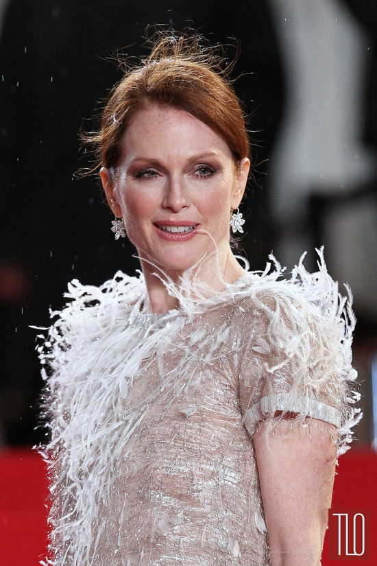Julianne-Moore-Chanel-Maps-Stars-Premiere-Cannes-2014-Tom-Lorenzo-Site-TLO (4)