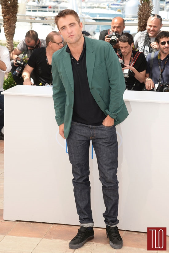 Robert-Pattinson-The-Rover-Photo-Call-Cannes-Tom-Lorenzo-Site-TLO (2)