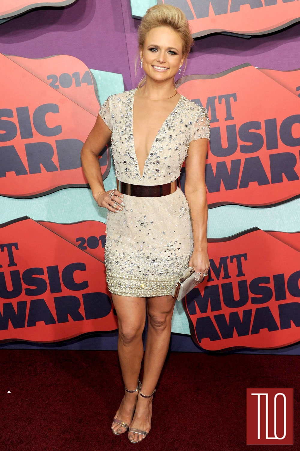 2014-CMT-Music-Awards-Red-Carpet-Rundown-Tom-Lorenzo-Site-TLO (1)