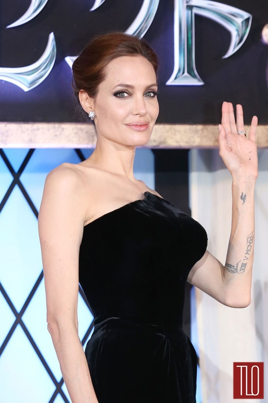 Angelina-Jolie-Atelier-Versace-Maleficent-Japan-Premiere-Tom-Lorenzo-Site-TLO (3)