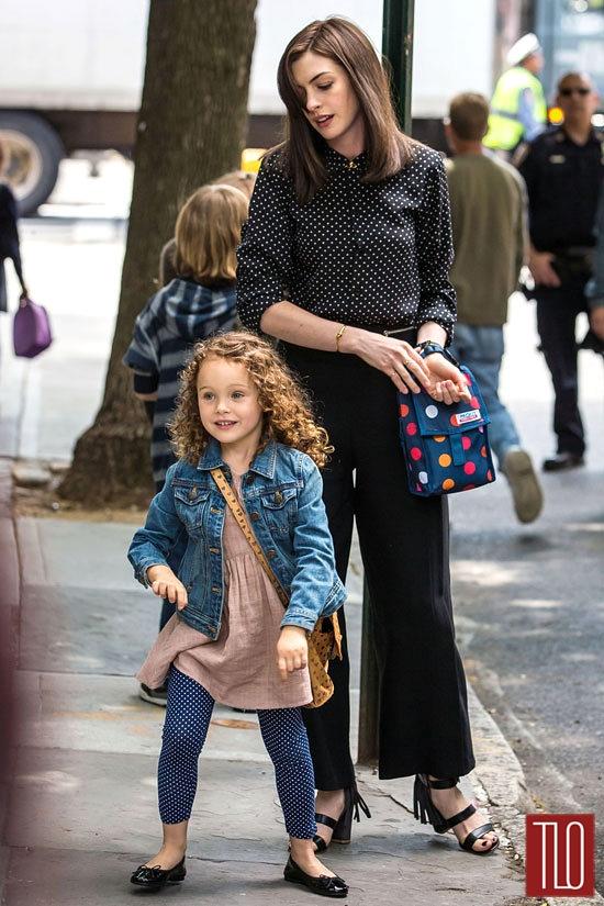 Anne-Hathaway-The-Intern-On-Set-Tom-Lorenzo-Site-TLO (3)