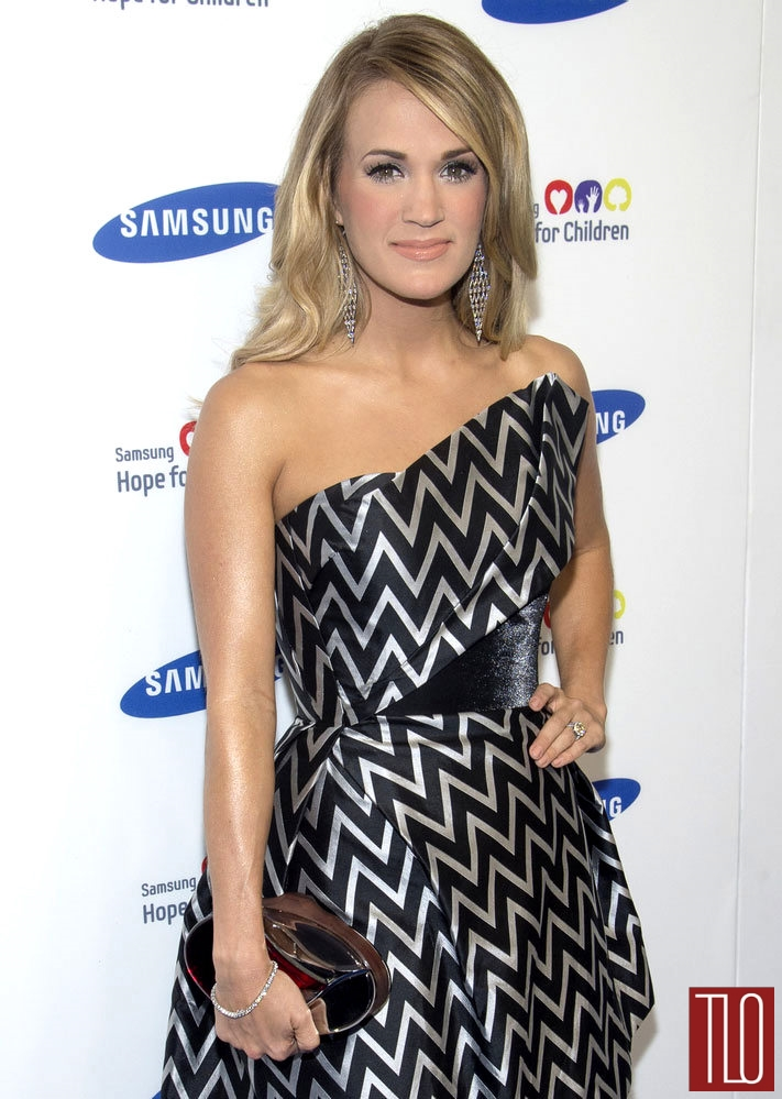 Carrie-Underwood-Rubin-Singer-2014-Samsung-Hope-Children-Gala-Tom-Loenzo-Site-TLO (1)