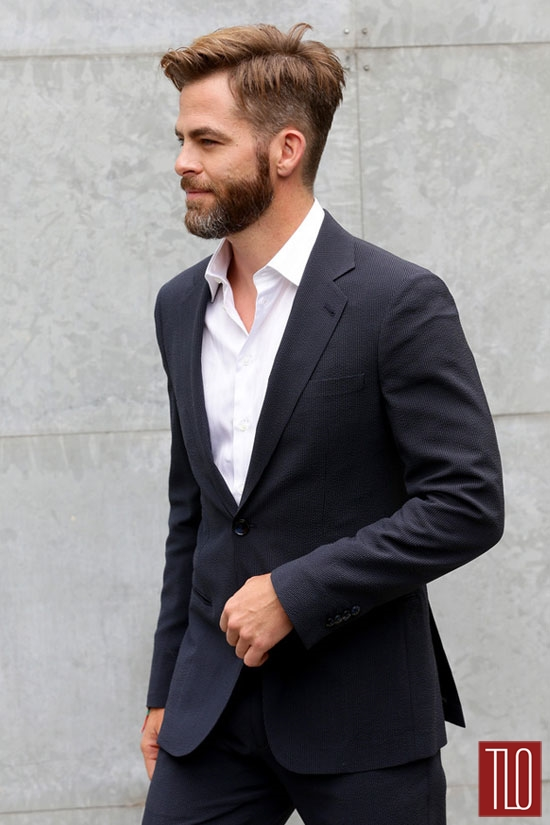 Chris-Pine-Giorgio-Armani-Spring-2015-Fashion-Show-Milan-Fashion-Week-Tom-Lorenzo-Site-TLO (4)