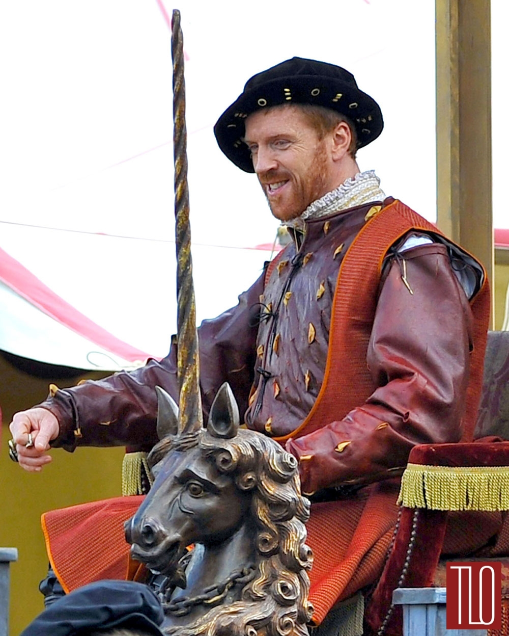 Damian-Lewis-BBC-Wlf-Hall-On-Set-Henry-VIII-Tom-Lorenzo-Site-TLO (1)