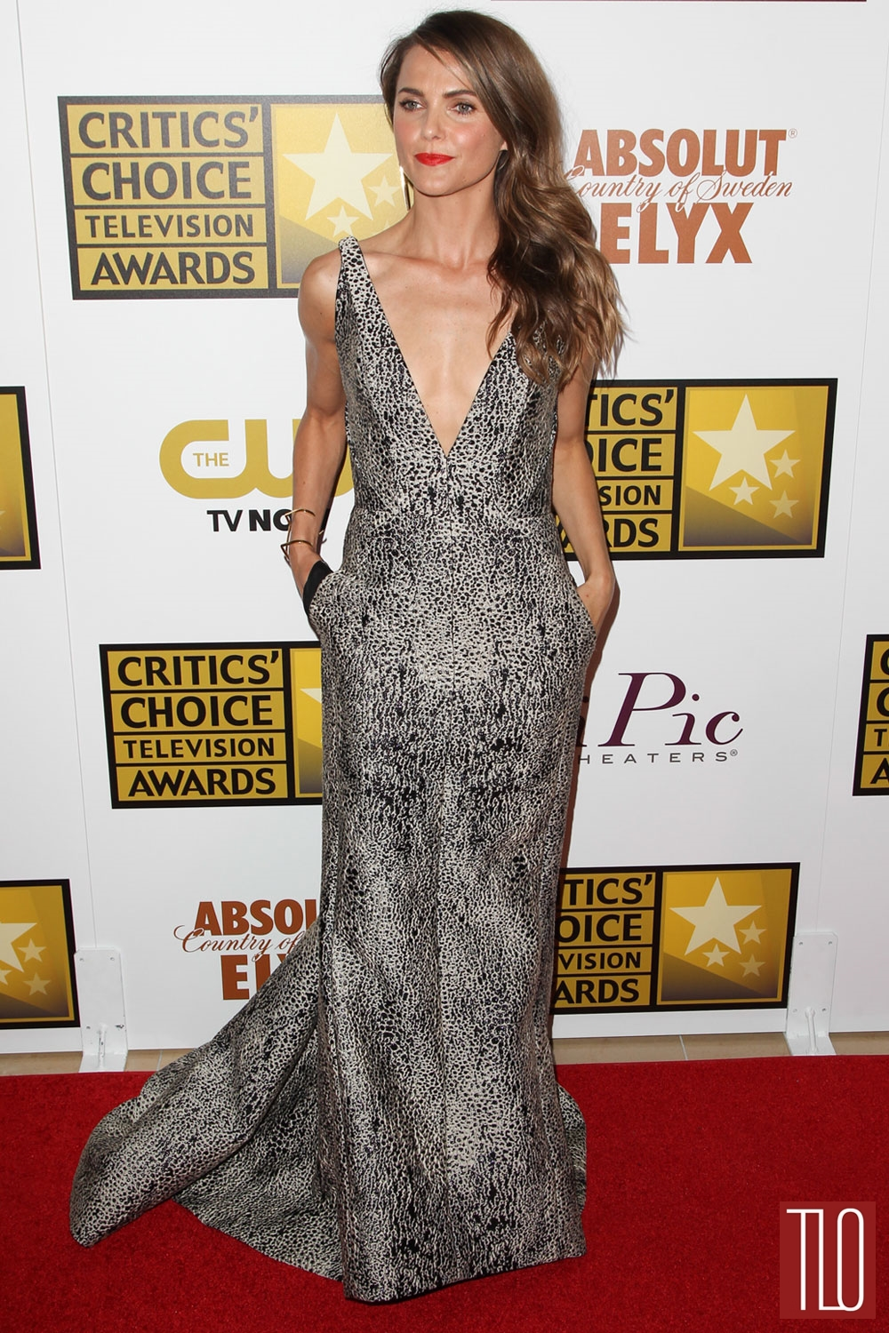 Keri-Russell-J-Mendel-2014-Critics-Choice-Television-Awards-Tom-Lorenzo-Site-TLO (1)