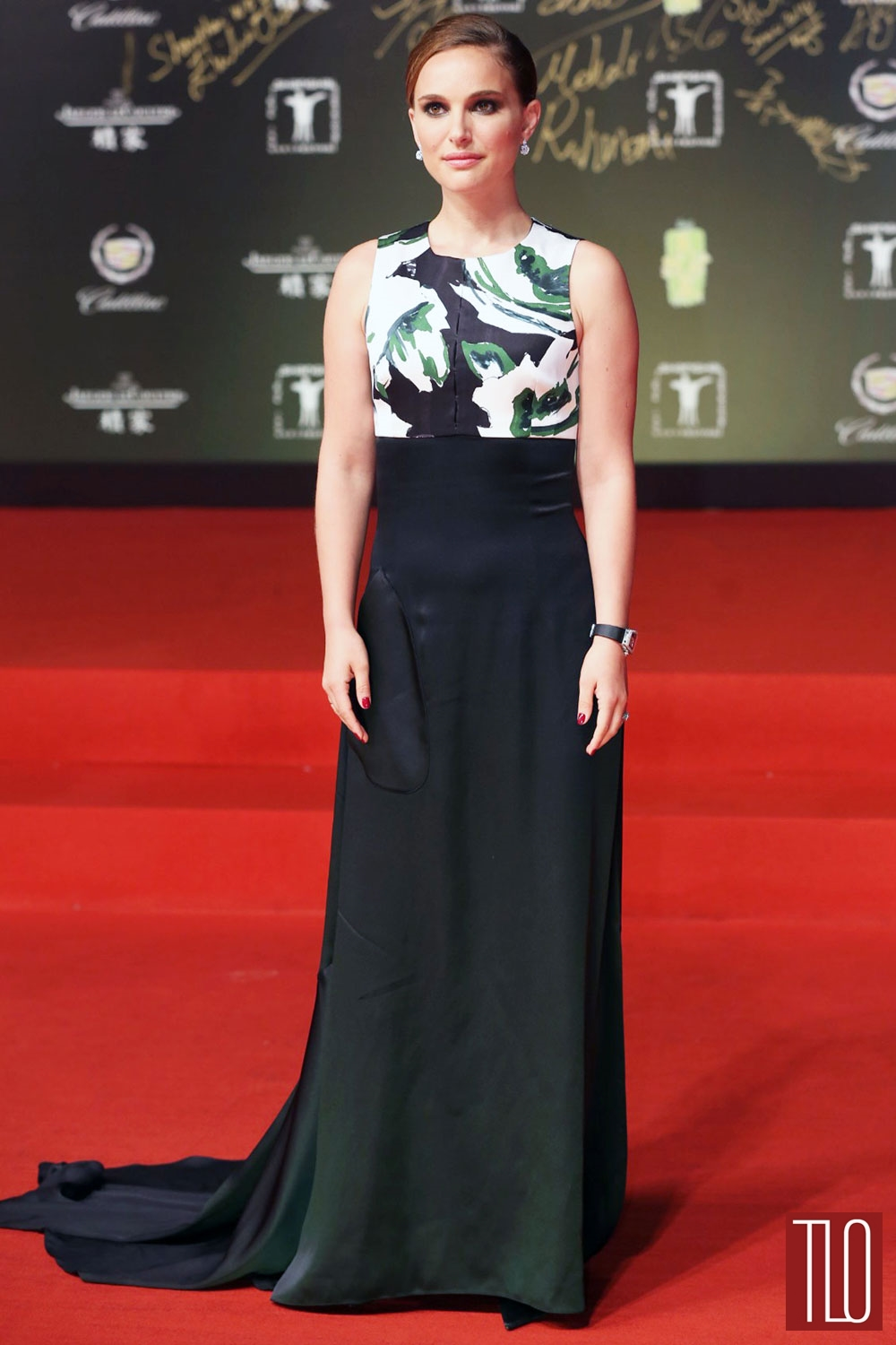 Natalie-Portman-Christian-Dior-2014-Shanghai-International-Film-Festival-Tom-Lorenzo-Site-TLO (1)