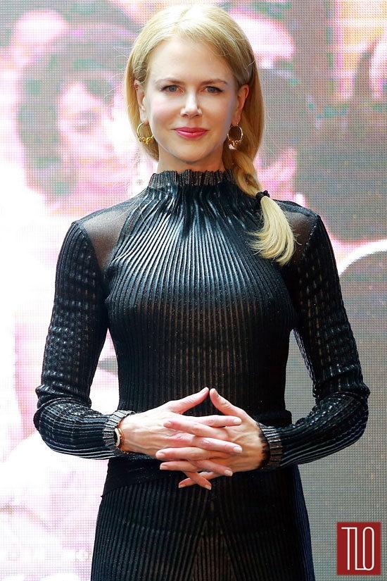 Nicole-Kidman-Style-Shot-Armani-Prive-Dolce-Gabbana-Prada-Salvatore-Ferragamo-Tom-Lorenzo-Site-TLO (4)