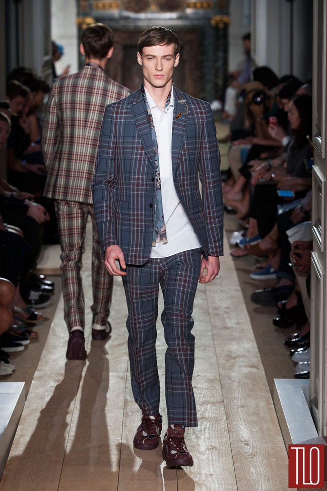 Valentino-Spring-2015-Menswear-Collection-Paris-Fashion-Week-Tom-Lorenzo-Site-TLO (24)