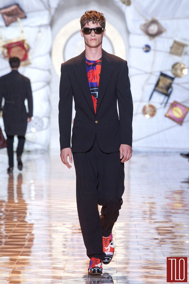 Versace-Spring-2015-Menswear-Collection-Milano-Fashion-Week-Tom-Lorenzo-Site-TLO (27)