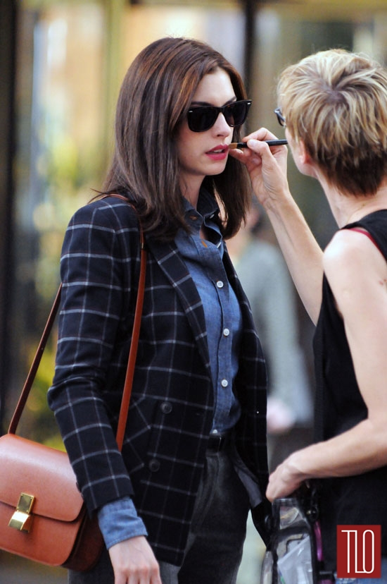 Anne-Hathaway-The-Intern-On-Set-Movie-Tom-Lorenzo-Site-TLO (7)