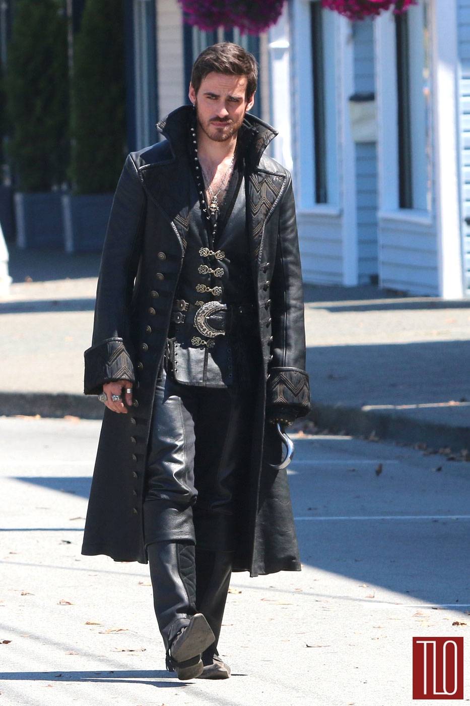 Colin-ODonoghue-Once-Upon-A-Time-Set-TV-Show-Costumes-Tom-Lorenzo-Site-TLO (1)