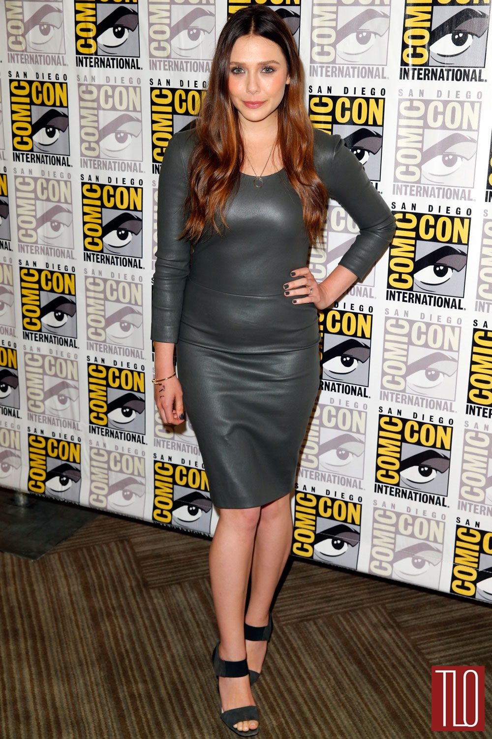 Elizabeth-Olsen-Comic-Con-2014-Red-Carpet--The-Row-Prada-Tom-Lorenzo-Site-TLO (1)