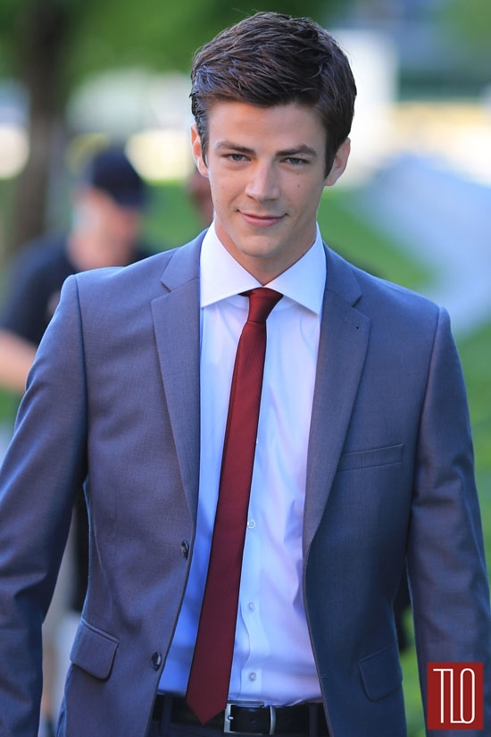 Grant-Gustin-The-Flash-TV-Show-On-Set-Tom-Lorenzo-Site-TLO (2)