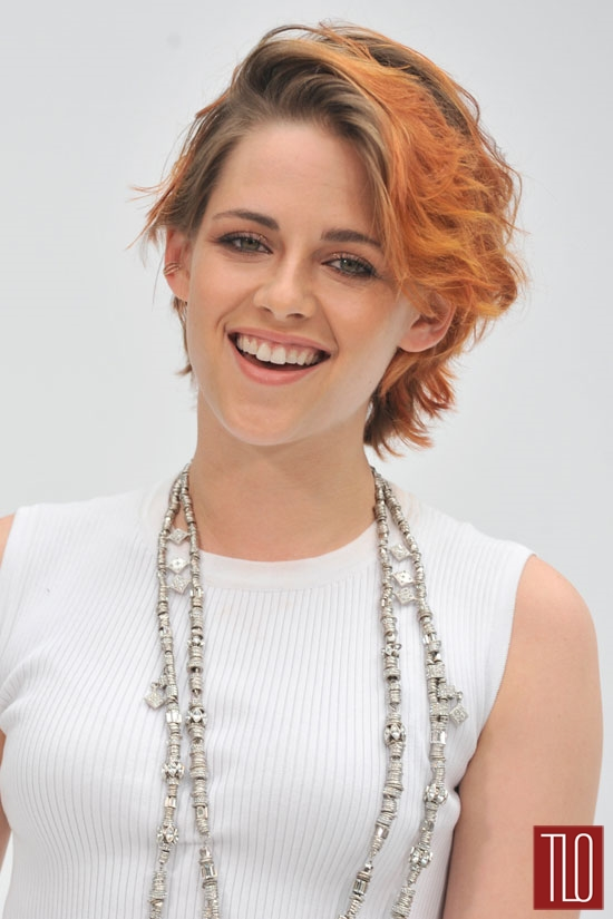 Kristen-Stewart-Chanel-Fall-2014-Couture-Show-Paris-Tom-Lorenzo-Site-TLO (4)