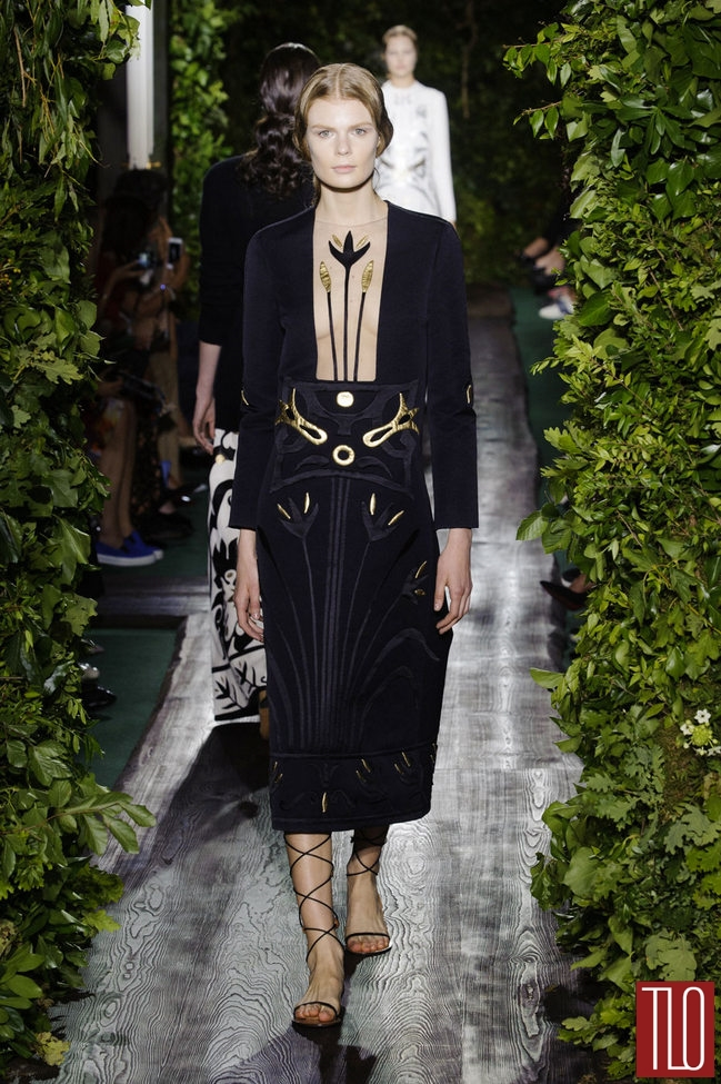 Valentino-Fall-2014-Couture-Collection-Paris-Tom-Lorenzo-Site-TLO (9)