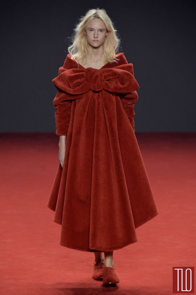 Viktor-Rolf-Fall-2014-Couture-Collection-Tom-Lorenzo-Site-TLO (17)