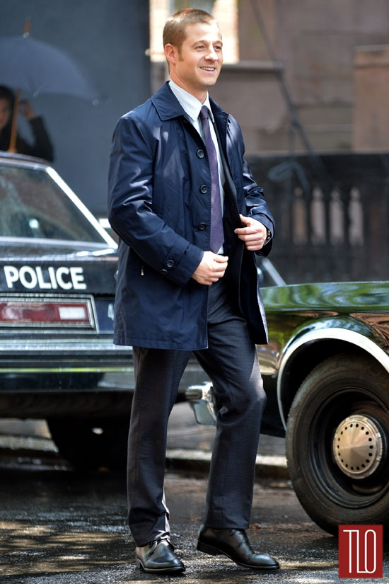 Ben-McKenzie-On-Set-Gotham-TV-Show-Tom-Lorenzo-Site-TLO (6)