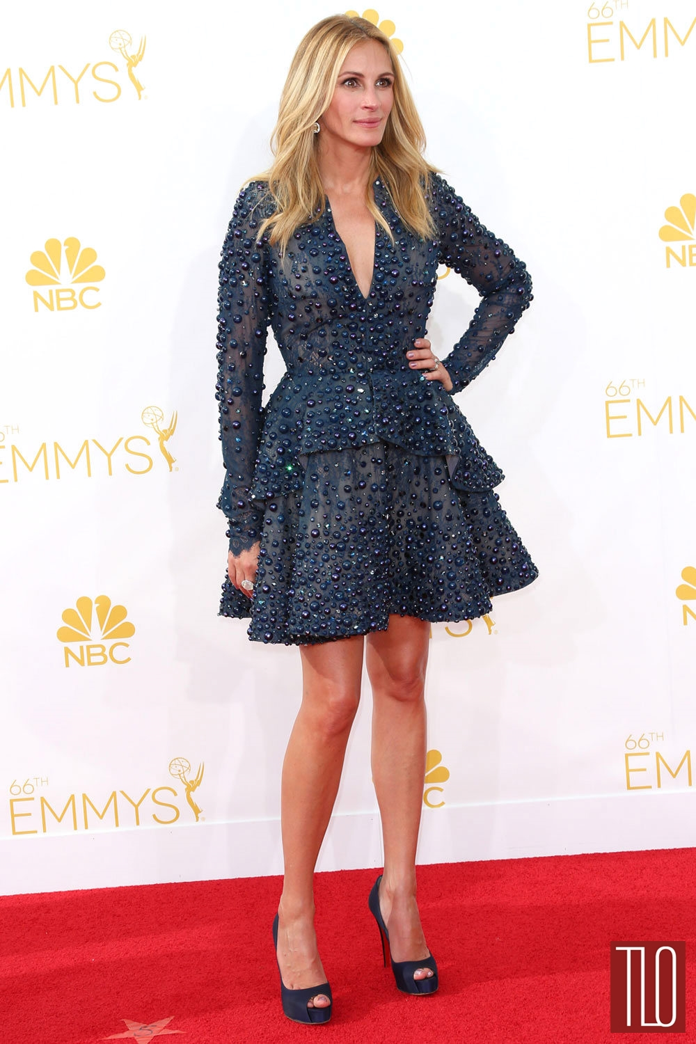 Julia-Roberts-2014-Emmy-Awards-Elie-Saab-Couture-Red-Carpet-Tom-Lorenzo-Site-TLO (1)