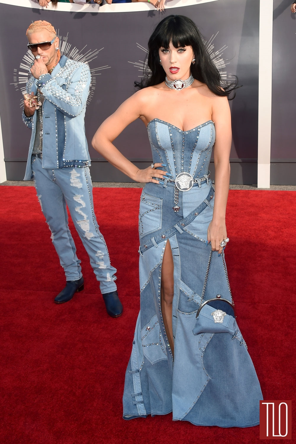 Katy-Perry-2014-MTV-Video-Music-Awards-VMAs-Red-Carpet-Versace-Tom-Lorenzo-Site-TLO (1)