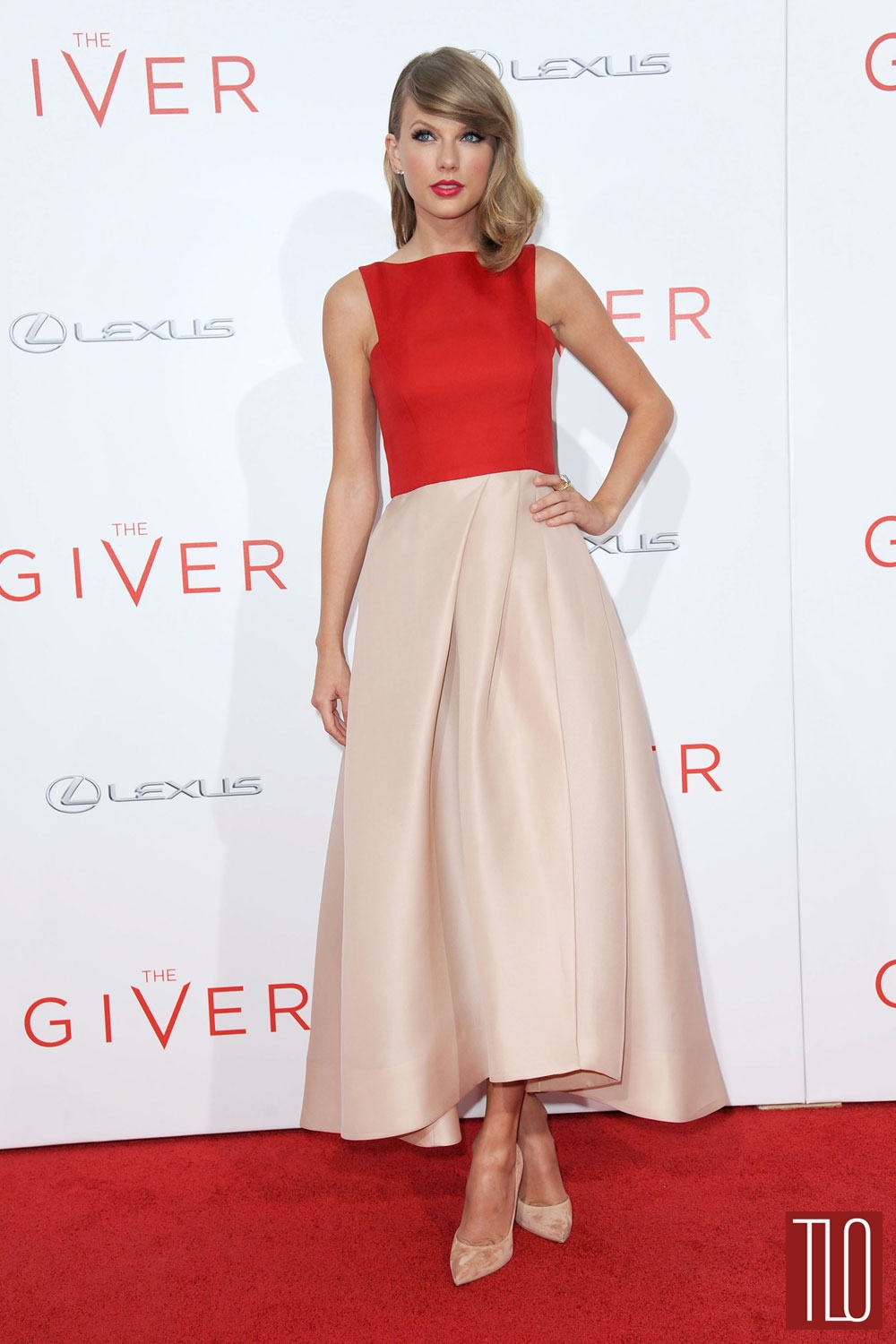 Taylor-Swift-The-Giver-New-York-Movie-Premiere-Monique-Lhuillier-Red-Carpet-Tom-LOrenzo-Site-TLO (1)
