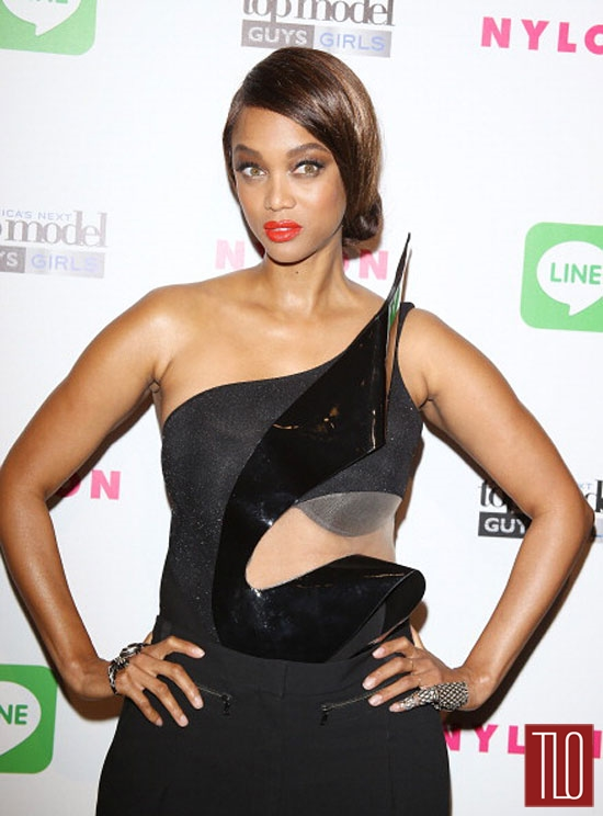 Tyra-Banks-Kim-Kardashian-Tom-Lorenzo-Site-Battle-Jumpsuits-Tom-Lorenzo-Site-TLO-(3B)