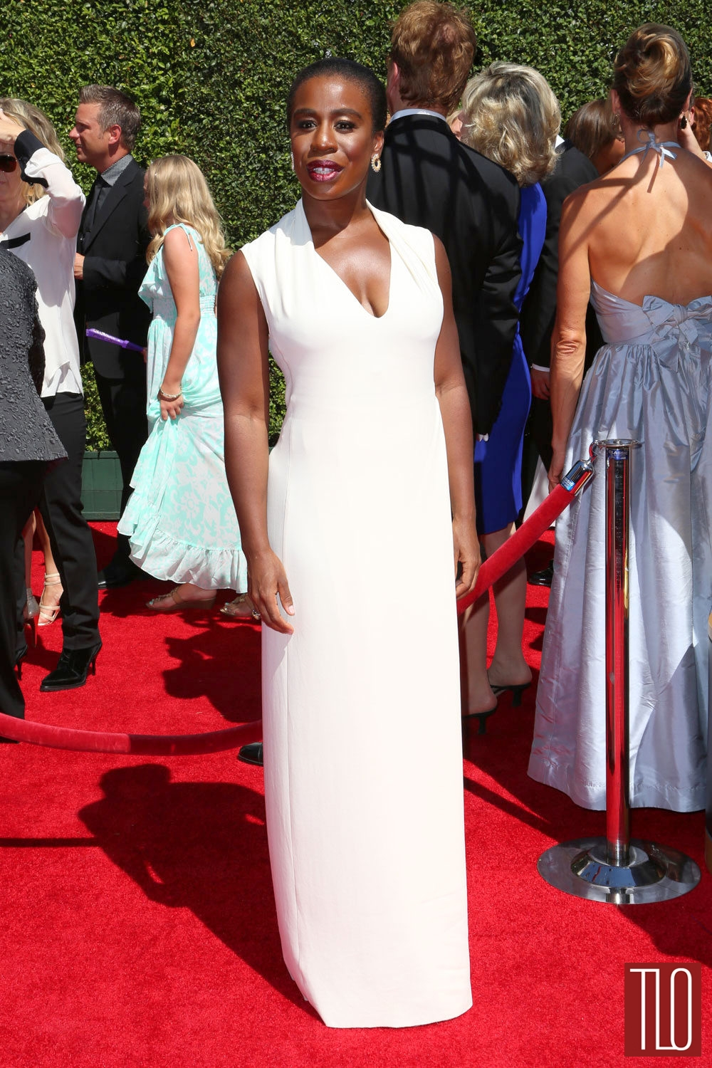 Uzo-Aduba-2014-Creative-Arts-Emmy-Awards-Red-Carpet-Costume-National-Tom-Lorenzo-Site-TLO (1)