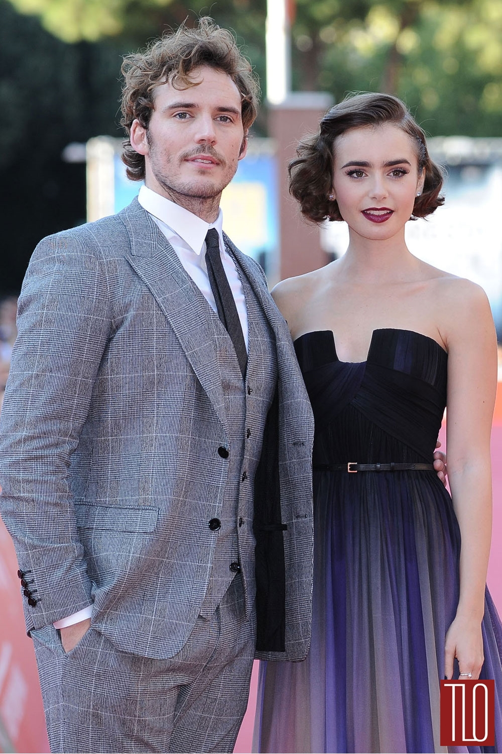 Sam-Claflin-Lily-Collins-Love-Rosie-Preiere-Red-Carpet-Elie-Saab-Couture-London-Film-Festival-Tom-Lorenzo-Site-TLO (1)