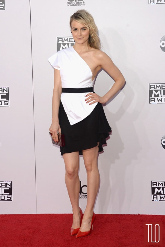 American-Music-Awards-2014-Red-Carpet-Rundown-Fashion-Tom-Lorenzo-Site-TLO (13)