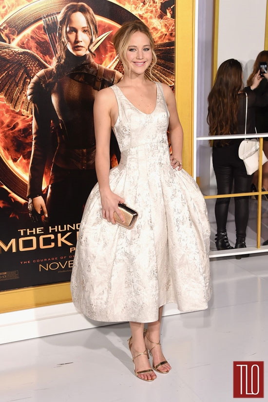 Jennifer-Lawrence-Hunger-Games-Mockingjay-Part-1-Los-Angeles-Movie-Premiere-Red-Carpet-Fashion-Christian-Dior-Tom-LOrenzo-Site-TLO (2)