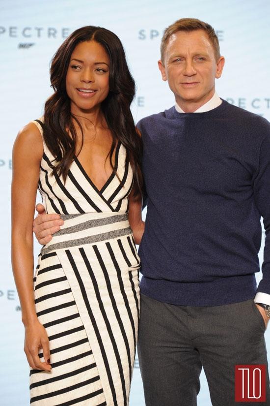 Naomie-Harris-Daniel-Craig-Spectre-Photocall-Red-Carpet-Fashion-Altuzarra-Tom-Lorenzo-Site-TLO (2)