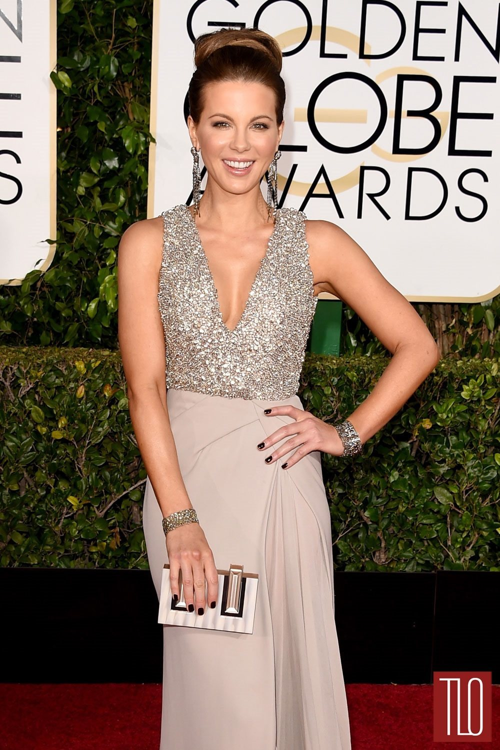 Kate-Beckinsale-2015-Golden-Globe-Awards-Red-Carpet-Fashion-Elie-Saab-Couture-Tom-LOrenzo-Site-TLO (1)