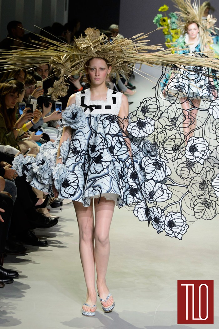 Viktor-Rolf-Spring-Couture-Collection-Paris-Fashion-Week-Tom-Lorenzo-Site-TLO (2)