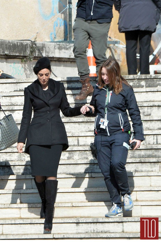 Daniel-Craig-Monica-Belluci-On-Movie-Set-Spectre-Tom-Lorenzo-Site-TLO (5)