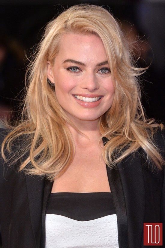 Margot-Robbie-Focus-Special-Screening-London-Red-Carpet-Fashion-Blumarine-Alexander-McQueen-Tom-Lorenzo-Site-TLO (3)