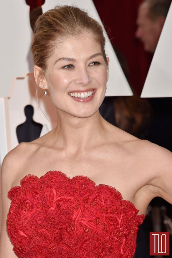 Rosamund-Pike=Oscars-2015-Awards-Red-Carpet-Fashion-Givenchy-Couture-Tom-Lorenzo-Site-TLO (3)
