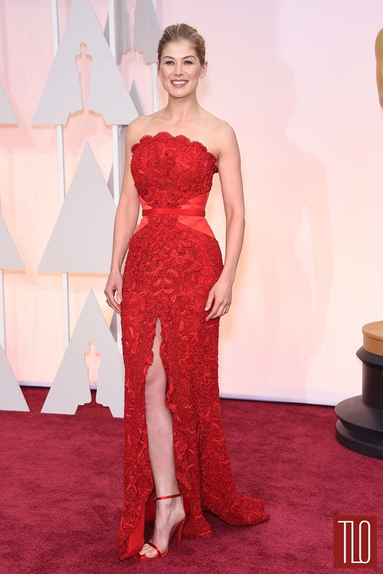 Rosamund-Pike=Oscars-2015-Awards-Red-Carpet-Fashion-Givenchy-Couture-Tom-Lorenzo-Site-TLO (6)