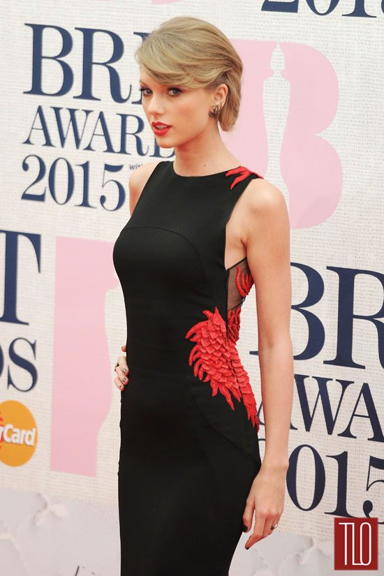 Taylor-Swift-BRIT-Awards-2015-Red-Carpet-Fashion-Roberto-Cavalli-Tom-Lorenzo-Site-TLO (7)