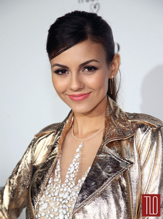 Victoria-Justice-Naeem-Khan-Vanity-Fair-Young-Hollywwod-Red-Carpet-Fashion-Tom-Lorenzo-Site-TLO (2)
