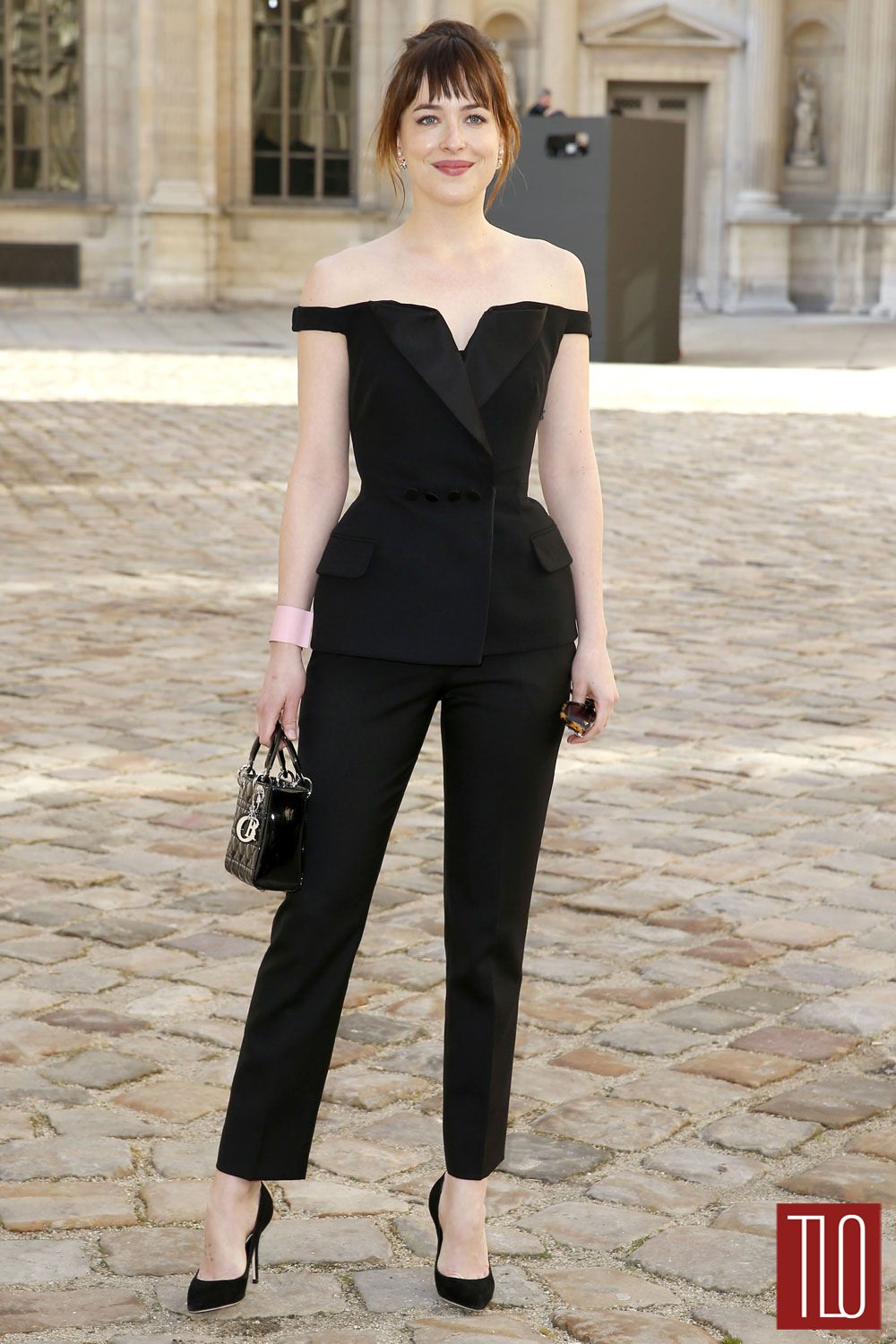 Style Double Shot Dakota Johnson In Christian Dior Tom Lorenzo