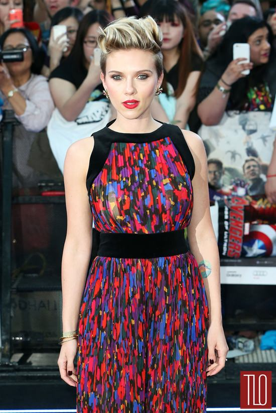 Scarlett-Johansson-Avengers-Age-Ultron-London-Movie-Premiere-Red-Carpet-Fashion-Tom-Lorenzo-Site-TLO (5)