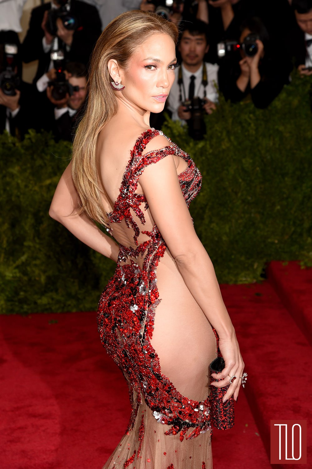 Jennifer-Lopez-2015-Met-Gala-Red-Carpet-Fashion-Atelier-Versace-Tom-Lorenzo-Site-TLO (1)