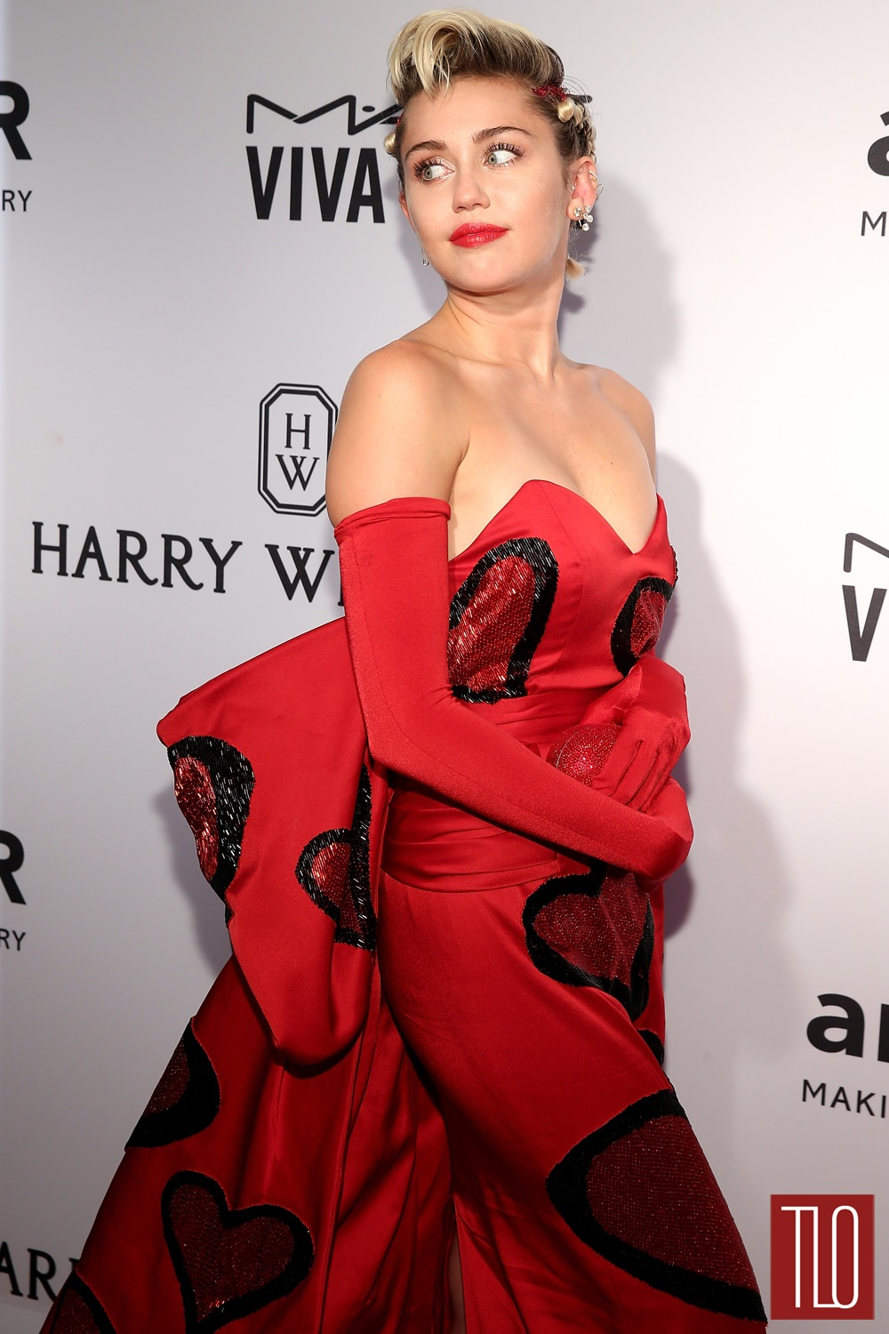 miley cyrus in moschino at the 2015 amfar inspiration gala new