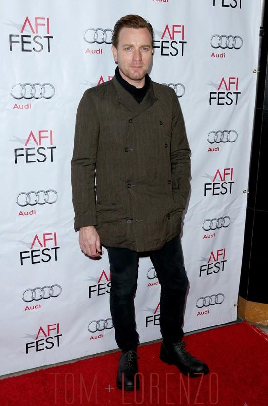 4-Ewan-McGregor-Red-Carpet-Fashion-Tom-Lorenzo-Site-11132015