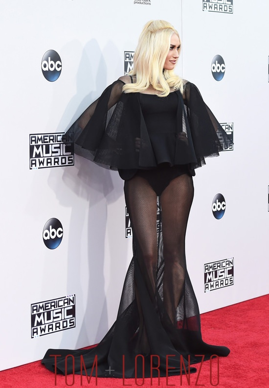 Gwen-Stefani-2015-American-Music-Awards-Red-Carpet-Fashion-Yousef-Al-Jasmi-Tom-Lorenzo-Site (5)