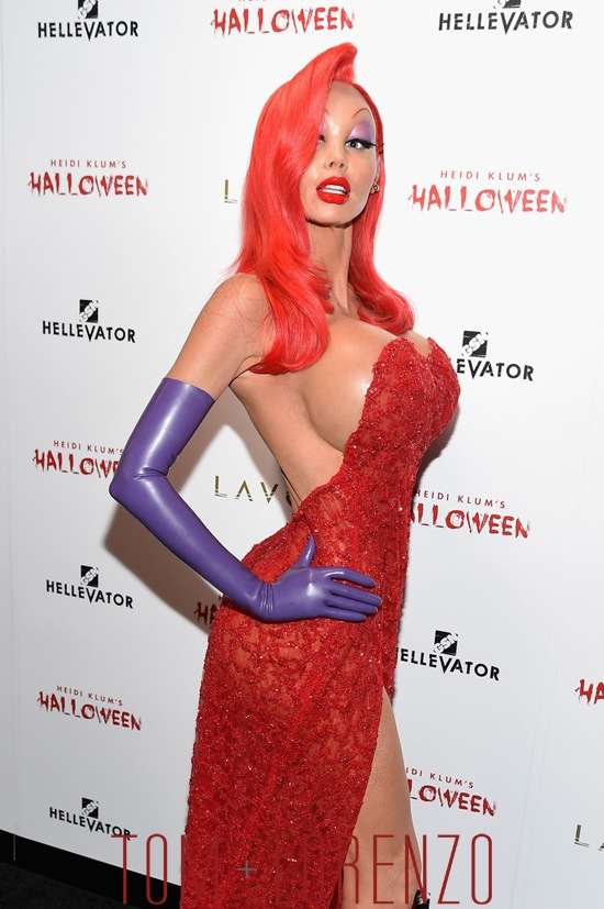 Heidi-Klum-Halloween-Costume-2015-Tom-Lorenzo-Site (2)