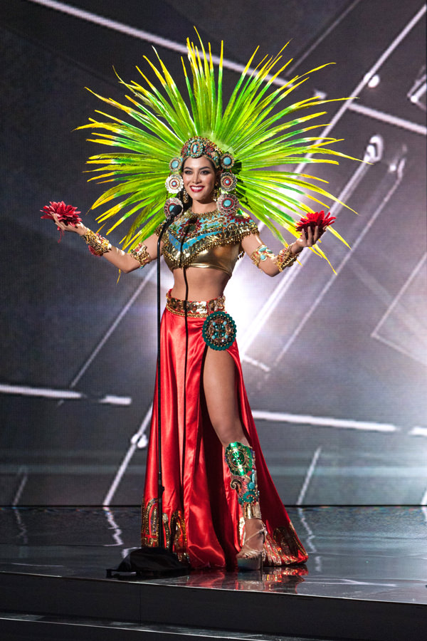 16-Miss-Mexico-Miss-Universe-2015-National-Costumes-Tom-Lorenzo-Site