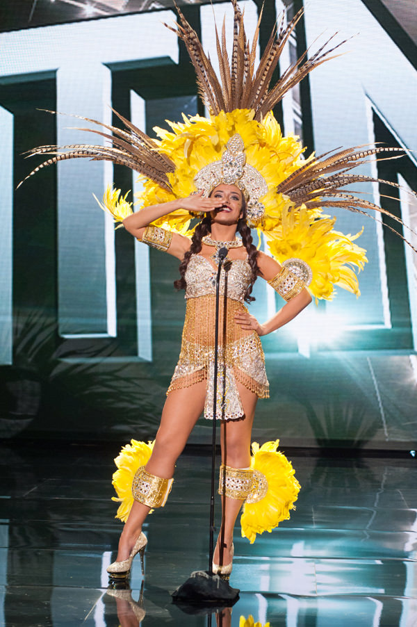 2-Miss-Aruba-Miss-Universe-2015-National-Costumes-Tom-Lorenzo-Site