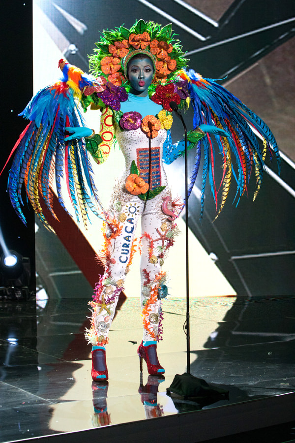 4-Miss-Curacao-Miss-Universe-2015-National-Costumes-Tom-Lorenzo-Site
