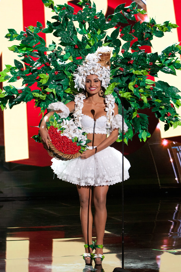 5-Miss-Costa-Rica-Miss-Universe-2015-National-Costumes-Tom-Lorenzo-Site