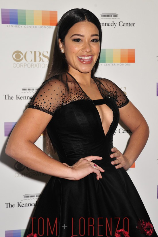 Gina-Rodriguez-2015-Kennedy-Center-Honors-Georges-Chakra-Couture-Tom-Lorenzo-Site (3)